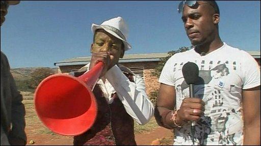 Ore hears a vuvuzela orchestra...