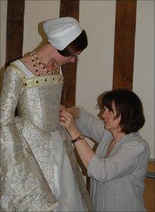 Pauline Loven dressing Bryony Roberts as Queen Catherine Howard, photograph Jo Sullivan