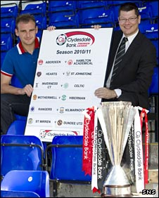 Inverness defender Grant Munro and SPL chief executive Neil Doncaster launch the fixtures
