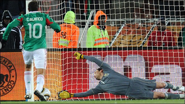 Mexico's Cuauhtemoc Blanco scores from the penalty spot