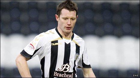 St Mirren midfielder Steven Robb