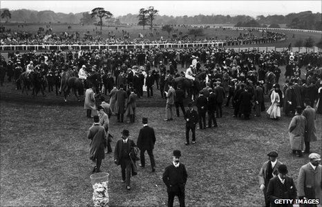 Northumberland Plate race taking place in 1907