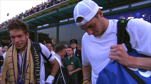 Nicolas Mahut (left) and John Isner: friends and rivals