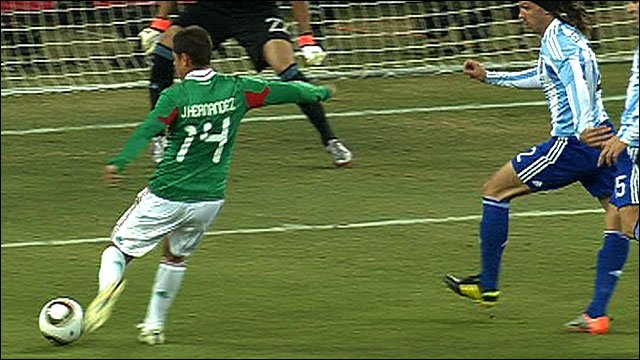 Javier Hernandez scores for Mexico