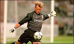 Alex Manninger in action for former club Arsenal