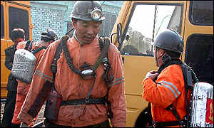 Chinese mine rescuers, March 2001