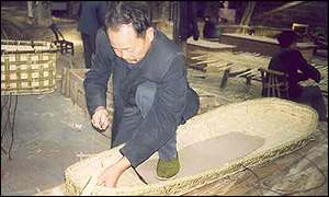Senior coffin weaver Xie Zhenan 