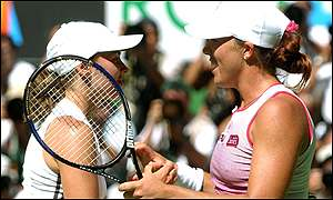 Martina Hingis congratulates Jennifer Capriati after the American's epic victory