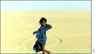Touareg girl in Sub-Saharan Africa