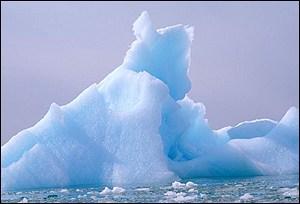 Iceberg   1998 EyeWire, Inc.