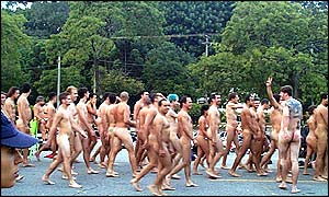 naked. Most of the volunteers in Sao Paulo were men