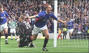 Peter Lovenkrands celebrates scoring the winning goal