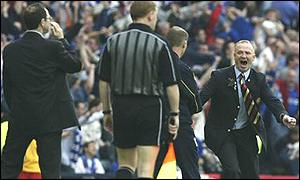 O'Neill and Alex McLeish show contrasting emotions