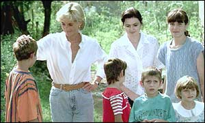 Princess Diana in Tuzla on her landmine crusade
