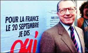 Jacques Delors in front of French referendum campaign poster