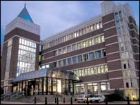 Bbc News Business Norwich Union Cuts 900 Jobs