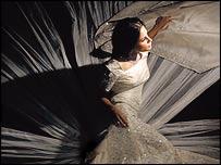 Модель и актриса Мехрин Рахиль