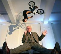 Einstein lookalike under a bike stunt (IoP)