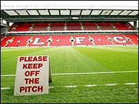 How Long Is A Football Pitch >> Bbc Sport Football Laws Equipment Pitch Dimensions