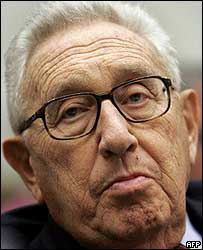 loonwatch.com/2010/12/henry-kissinger-jews-in-gas-chambers-is-not-an-am