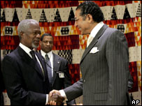 Munir Akram with Kofi Annan