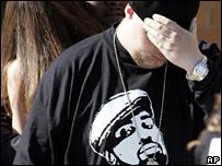 BBC NEWS | Entertainment | Eminem in tribute to dead rapper  Eminem Proof Death