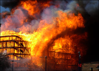 Wtc 7 North Side Massive Fires Cbs News Page 1