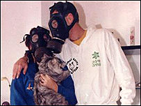 Kehrmanns in gas masks