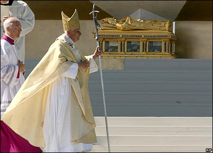 pope looks pretty