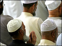 British muslims praying