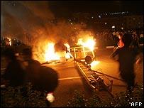 مردم خشمگین پمپ بنزینی را در تهران به آتش می کشند - 27 ژوئن 2007