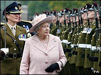 Bbc News Uk England Kent Soldiers Fly In For Queen