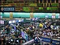 الازمة المالية والاقتصاد العالمي: الاسوأ لم يأت بعد نادي خبراء المال