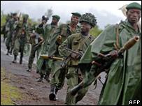 FARDC soldiers on patrol in north Kivu in November 2007