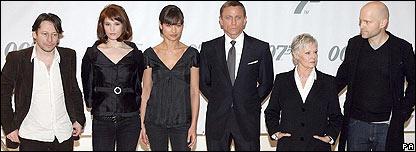 BBC NEWS   Entertainment   Behind the scenes on the Bond set