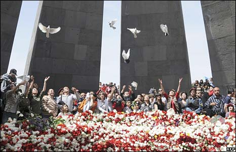 Armenians commemorate mass killings in the Ottoman Empire during WW1