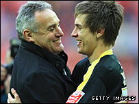 Dave Jones and Aaron Ramsey