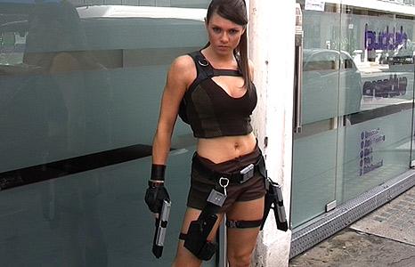 Die Neue Lara Croft Alison Carroll