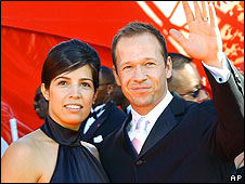 BBC NEWS | Entertainment | Donnie Wahlberg to divorce wife