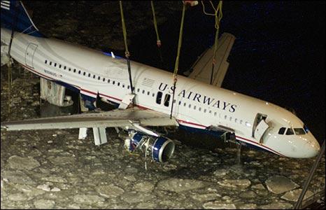Bbc News In Pictures In Pictures Plane Lifted From Hudson