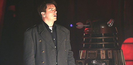 BBC - Newsbeat - Entertainment - Barrowman bigs up new Dr Who