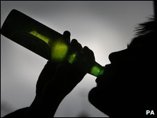 Beer goggles 'don't disguise age'