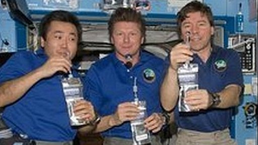 astronauts in space drinking water - photo #10
