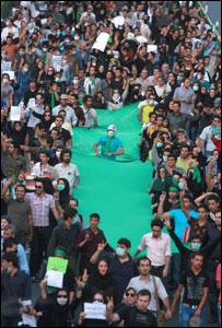 انصار موسوي في تظاهرة الخميس