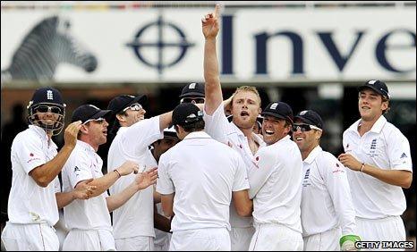 BBC SPORT | Cricket | England | Flintoff inspires England
