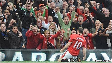 Wayne Rooney celebrates his equaliser