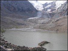 Kygyzstan的Tien Shan Mountains的Kara Batkak冰川