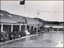 Bbc The History Of Stonehaven S Open Air Pool