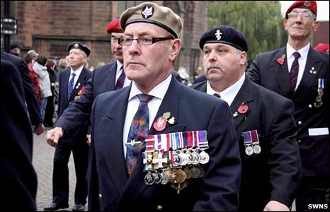 BBC News - Is it illegal to wear medals you weren't awarded?