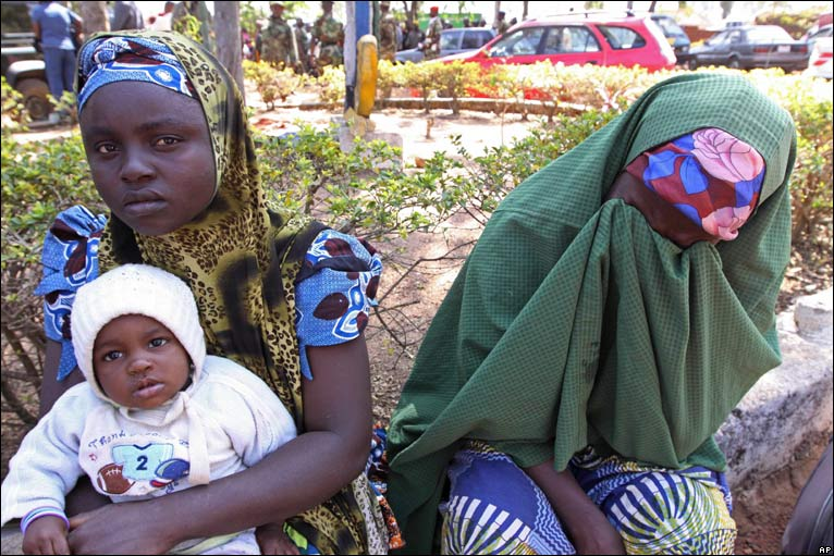 Hauwa Ahmed (R) cries after her son died in Jos violence